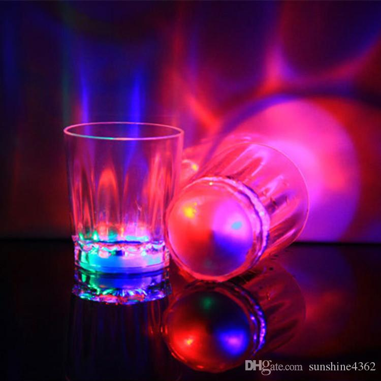 Colorful Led Cup Flashing Shot Glass Led Plastic Luminous Cup Neon Cup Birthday Party Night Bar Wedding Beverage Wine flash small cup