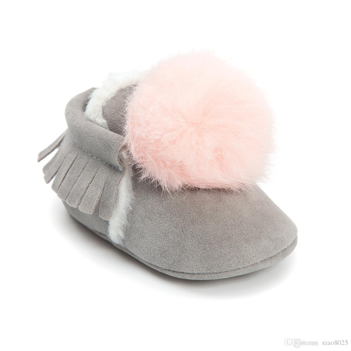 2017 شتاء دافئ طفل رضيع هامش الأخفاف الصوف لطيف الكرة الحلي الطفل أحذية الأولى مشوا الطفل الأحذية مع الفراء