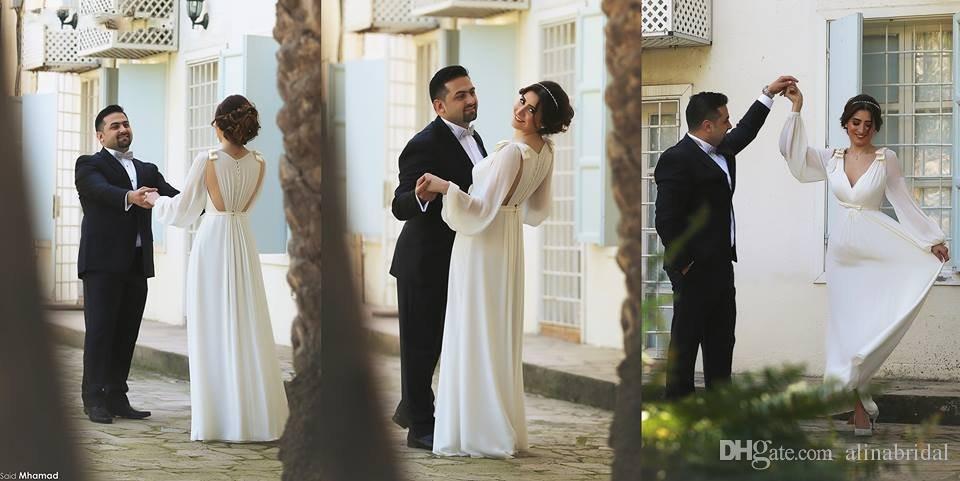 Abiti da sposa stile Arabia Saudita con maniche lunghe scollo rotondo taglio a terra scollo a V eleganti abiti da sposa in chiffon 2016
