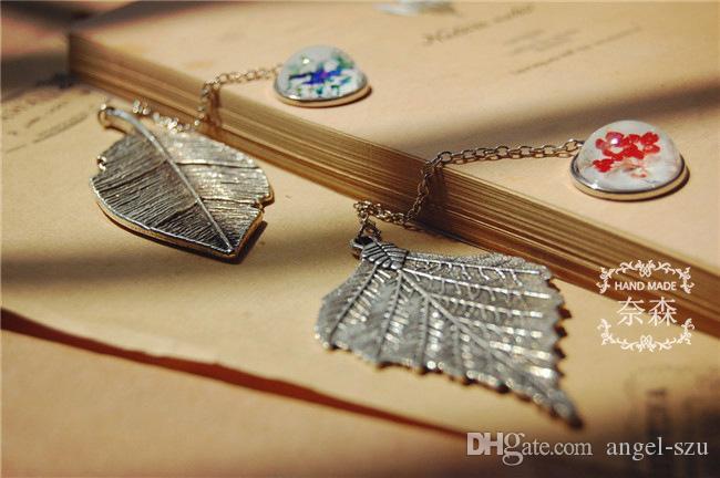 Mejor valor Hoja de plata antigua de metal Colgante Vintage Retro Página Etiqueta Bookmark 2 Color grandes hojas regalo de Navidad E867E