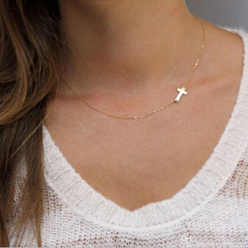 Женщины ожерелье золото боком крест ожерелье крошечный крест знаменитость золото / Щепка заполнены цепи колье ожерелье заявление ювелирных изделий