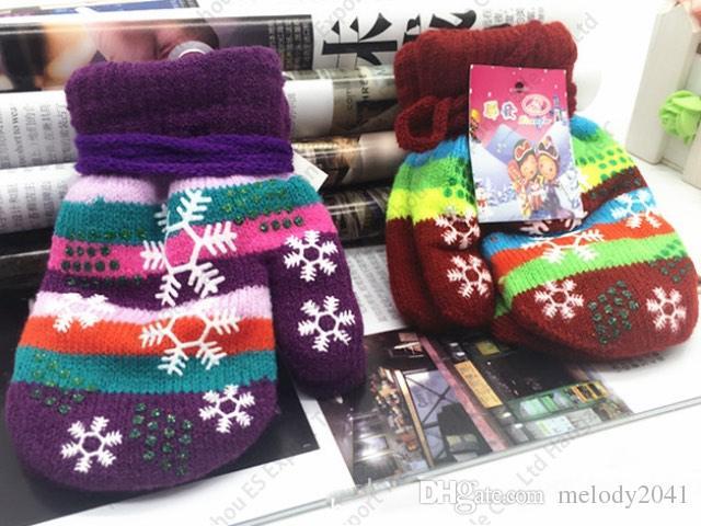 Inverno Novos Crianças Malha Luvas Quentes De Tricô Coberto Coberto Cuidados Crianças Luvas Luvas De Flocos de Snowflakes com Handing Corda Color Colorido
