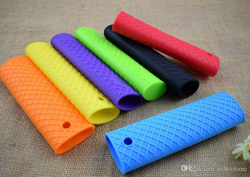 2017 newest Silicone Handle Cover For Cast Iron Skillet Holder Protection Sleeve Multicolor Anti-heat Resistant Sleeve
