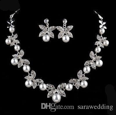 Romantische Clover Pearl Strass Braut Halskette Ohrringe Schmuck zwei Stücke Brautschmuck 2018 handgemachte Braut Accessoires