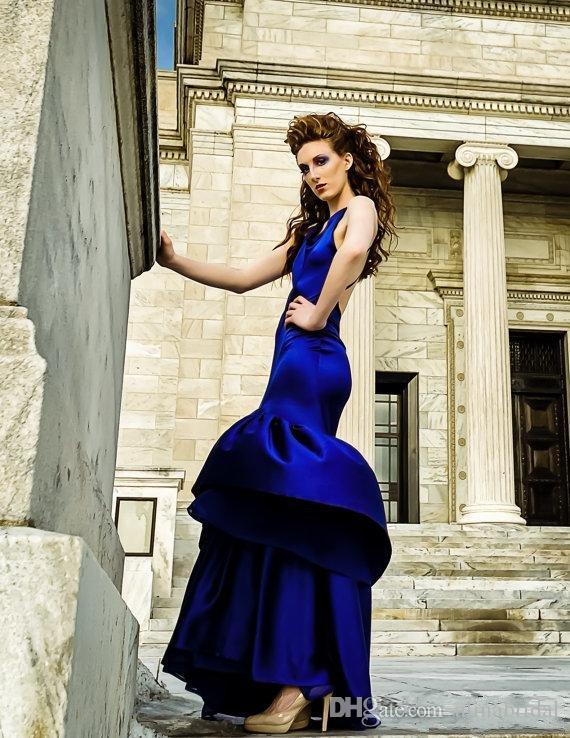 2016 Blu Sexy Backless Abiti da sera Vintage Halter Neckline Prom Gowns economici Party Dress Piano Lunghezza Sirena Abiti formali Dress