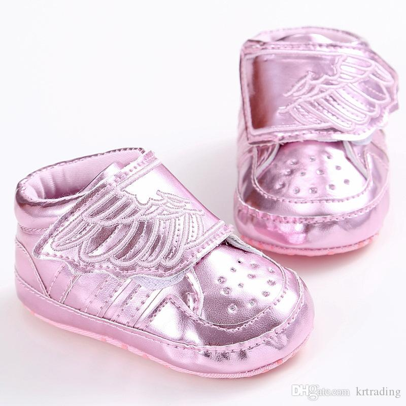 2016 New Baby Embroidery blingbling Wing shoes Soft sole shiny pvc prewalkers Infants cute casual fashion sneaker shoes for 0-1T