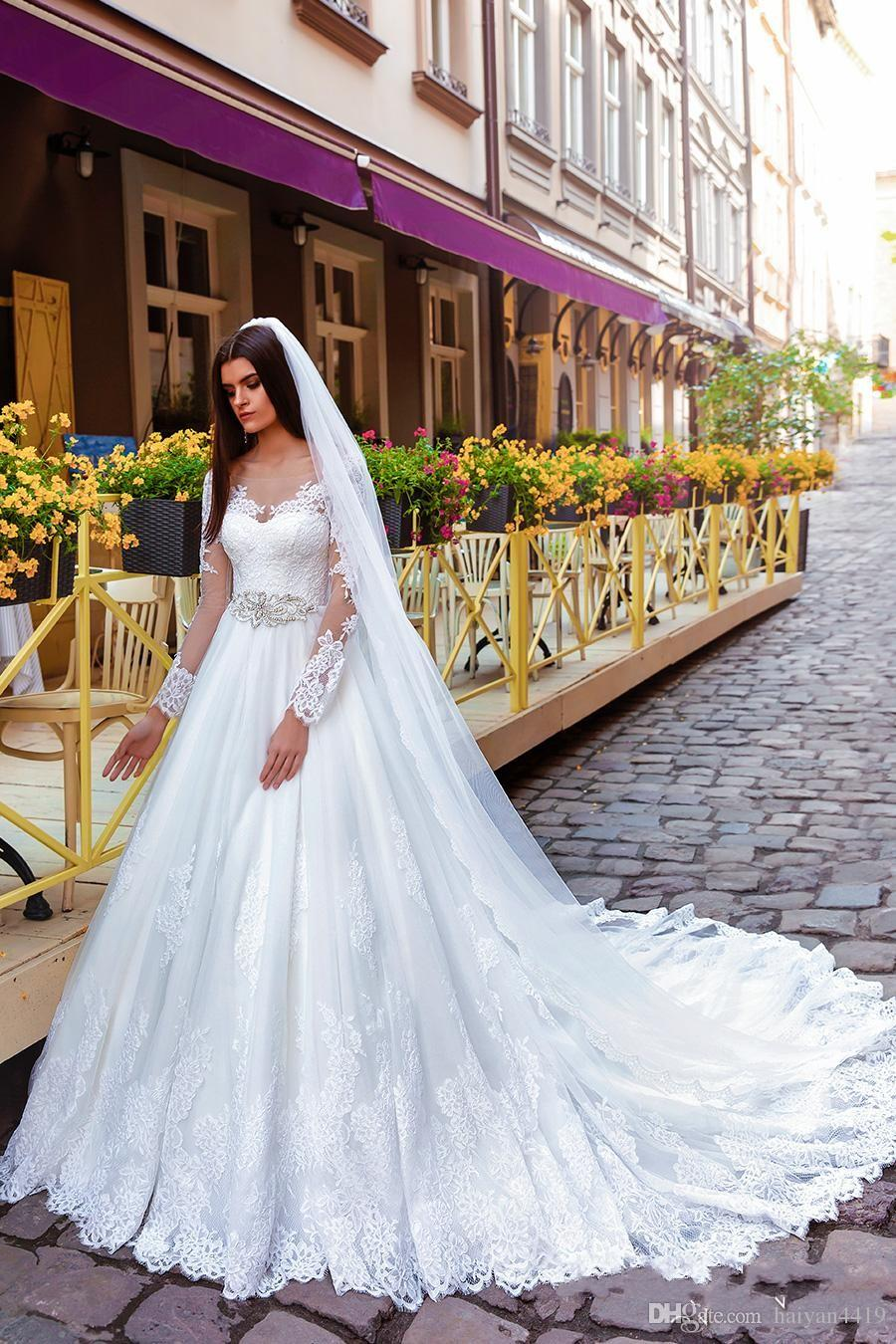 2016 New Cheap Modern A Line Wedding Dresses Scoop Neck Long Sleeves Lace Appliques Beaded Tulle Court Train Plus Size Formal Bridal Gowns
