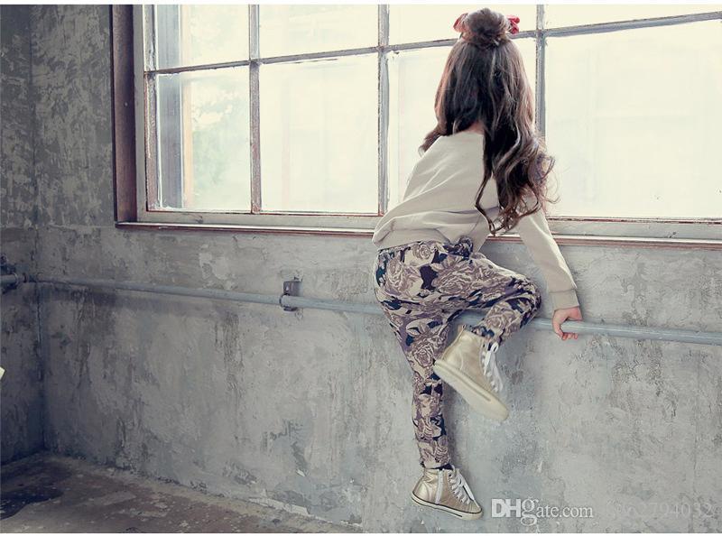 Розничная Одежда для Девочек-Подростков Осень Новый 2016 Детская Одежда Для Девочек Спортивный Костюм С Длинным Рукавом Брюки 2 шт. Белый Черный