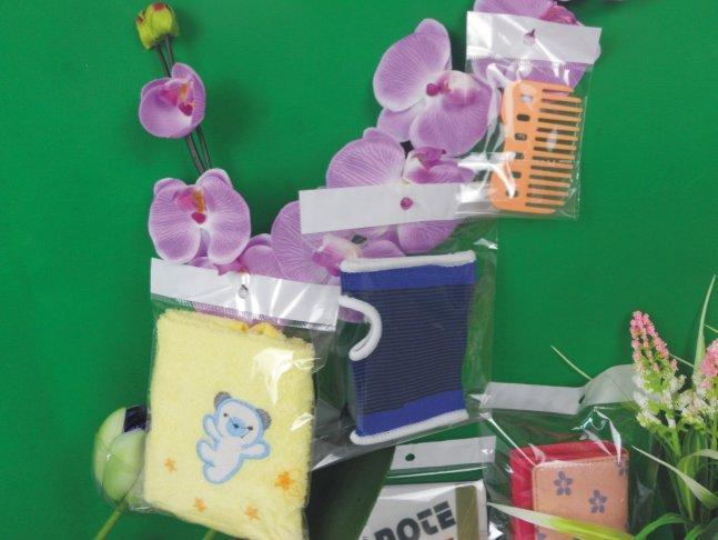 Borse di imballaggio poli appeso 11x21.5 cm con sacchetto di opp di tenuta autoadesivo / poly all'ingrosso /