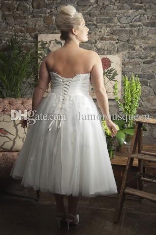 Plus Size A Line senza spalline Abiti da sposa corti 2016 A Line Appliques Lace Up Garden Abiti da sposa sexy con maniche senza maniche