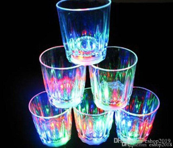 Colorido Led Copo Piscando Tiro De Vidro Levou Luminosa Copo de Néon De Plástico Copo de Néon Festa de Aniversário Noite Bar Bebida de Casamento Vinho flash pequeno copo