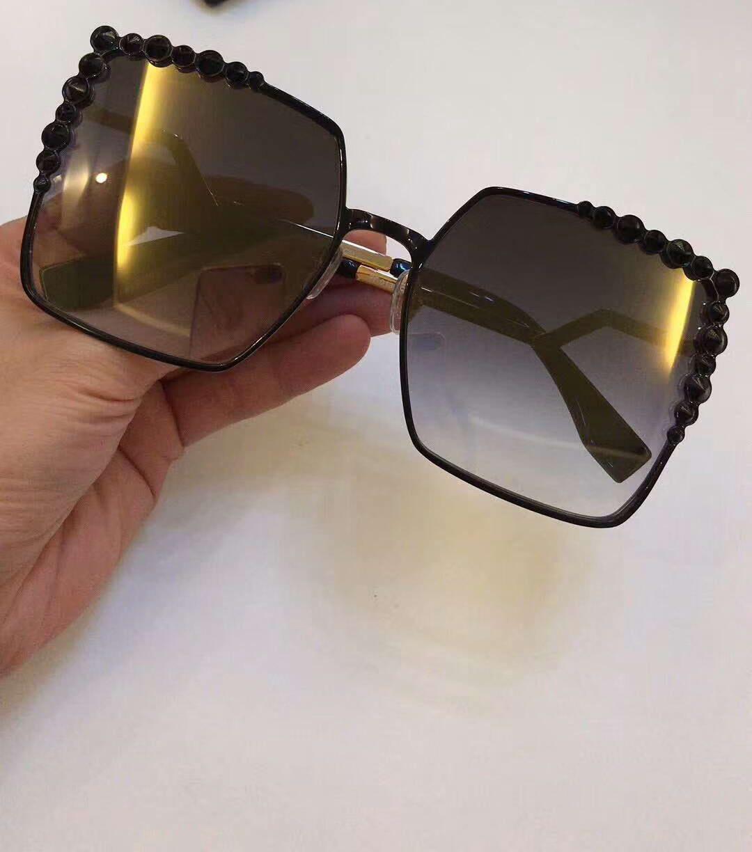 Womens Square Sunglasses Black Gold Frame Gold Mirrored Lens FASHION BRAND  SUNGLASSES With Original Case Bifocal Sunglasses Retro Sunglasses From  Baiyu168 4919eab729