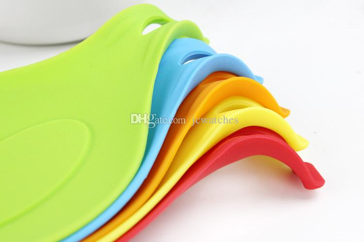 Small Spoon Insulation Mat Silicone Heat Resistant Placemat Drink Glass Coaster Tray Hot Sale Spoon Pad Kitchen Tool 19.5*9.5cm