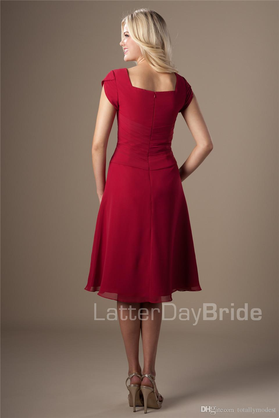 Simple Dark Red Chiffon Short Modest Bridesmaid Dresses With Short Sleeves A-line Knee Length Maids of Honor Dresses Wedding Party Dresses