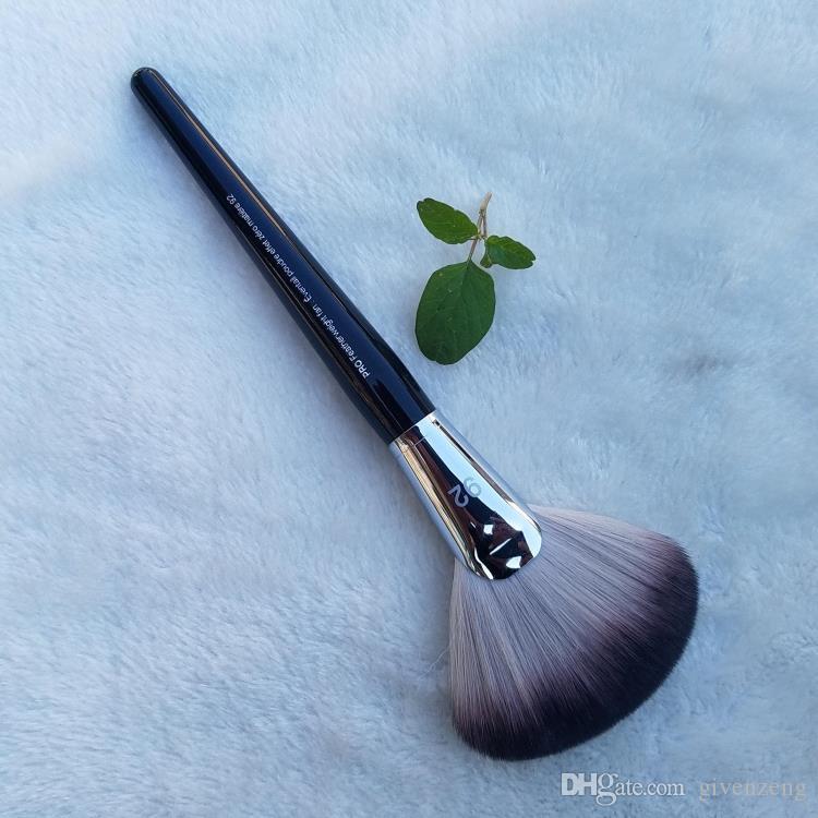 PRO Pena Fan escova # 92 -Alto Qualidade Fluffy Pó Facial Acabamento-escovas beleza Cosméticos Maquiagem Blender Brushes DHL grátis