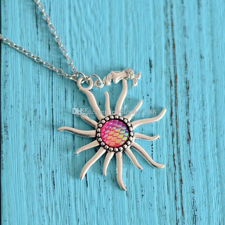 Arbeiten Sie 12 Farben Meerjungfrau-Skala Sun bezaubert Halsketten-Fischschuppen-Kragen-Edelstahlketten / lederne Ketten für Frauen-Dameschmucksachen um