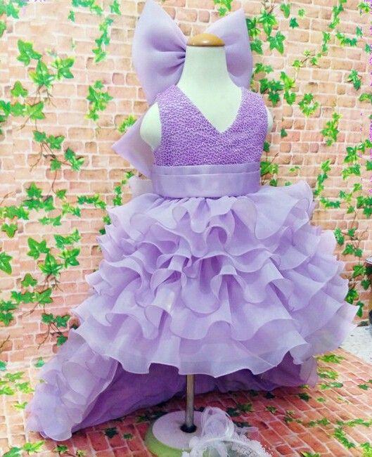 Vestidos de niña de flor púrpura alta baja para bodas Ruffles en capas de gran arco Jewel Vestido de primera comunión Ropa formal de niñas Niñas Vestido de desfile