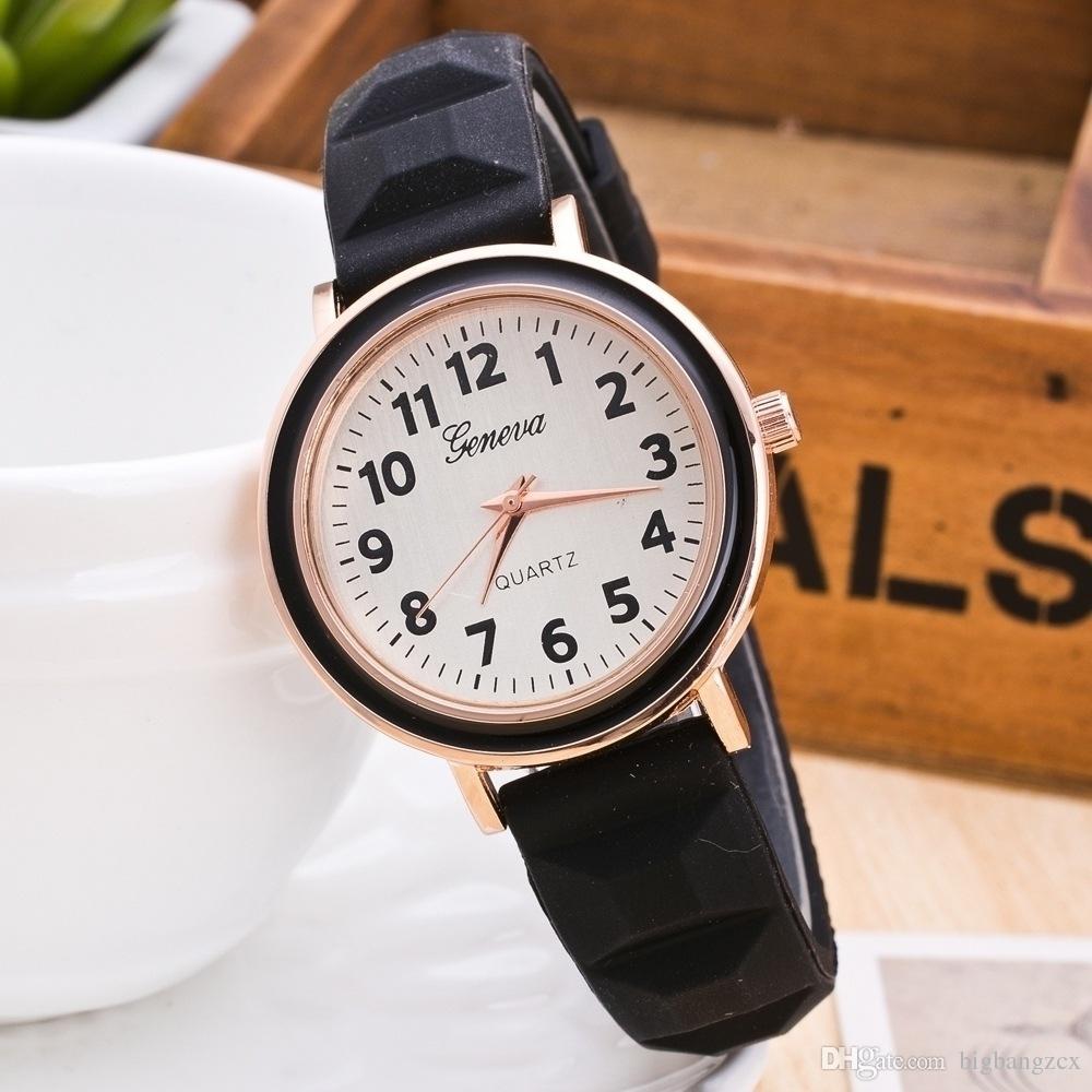 7aa7a4087 Compre Relojes Candy Rubber Geneva Reloj Varios Colores Charm Shiny Jelly  Hombres Mujeres Reloj De Pulsera Silicona Geneva Quartz Watches A $1.48 Del  ...