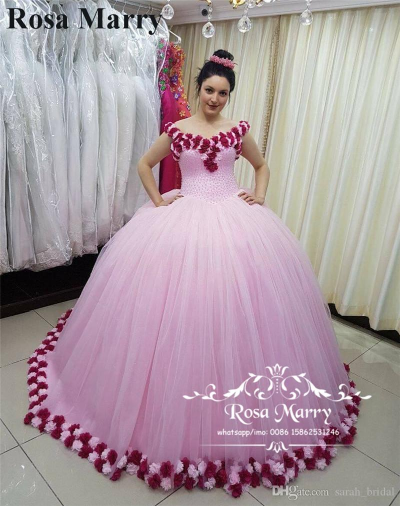 77694a49af Compre Princess Sweet 16 Vestido De Bola Vestidos De Quinceañera 2018  Hombro Rosa Flores 3D Masquerade Árabe Vestidos 15 Anos Chica Cumpleaños  Vestido De ...