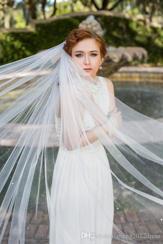 New Designer In Stock One Layer Wedding Veil Cathedral Length Cut Edge White Ivory Champagne Bridal Veil With Alloy Comb Rhinestones Tulle