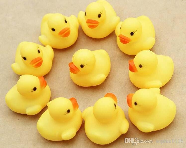 Wholesale Baby Bath Water Toy toys Sounds Yellow Rubber Ducks Kids Bathe Children Swimming Beach Gifts Gear Baby Kids Bath Water Toy ZF 001