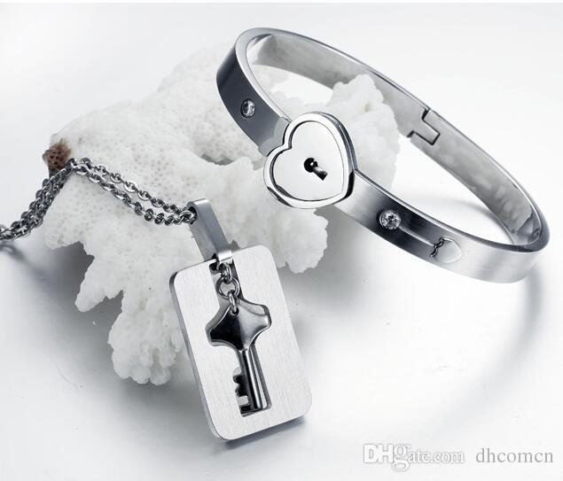 Pulsera de brazalete de bloqueo de llave de titanio de pareja Pulsera de titanio de sistema de collar de acero de titanio Sets de joyería de día de san valentín