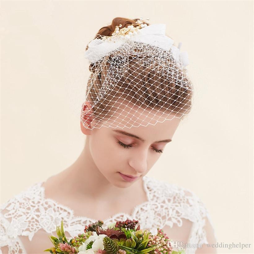 2c9428dc9b673 Vintage Wedding Veil Bridal White Birdcage Veil Short Blusher Veil Lace  Hair Fascinator Crystal Rhinestone Headpiece Clip Accessories Net Ladies  Day Hats ...