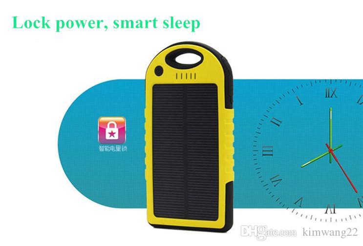 5000mAh Cargador solar y panel solar de la batería portátil para el teléfono celular Cámara portátil MP4 con linterna a prueba de agua a prueba de golpes