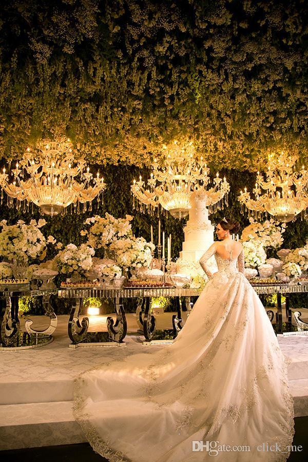 Luxus Brautkleider Mit Bloßem Ausschnitt Perlen Pailletten 3D Applikationen Mit Langen Ärmeln Brautkleid Kapelle Zug Modest Vintage Brautkleider