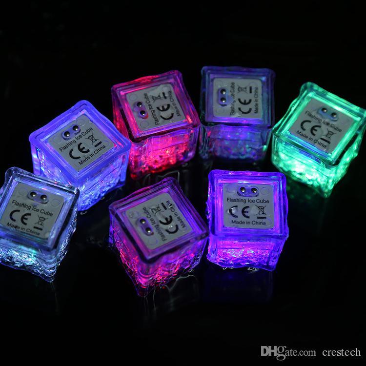 cubitos de hielo de simulación llevó las luces de flash policromo hielo líquido del sensor brillante cubo de hielo luces sumergibles decoración Light Up Bar