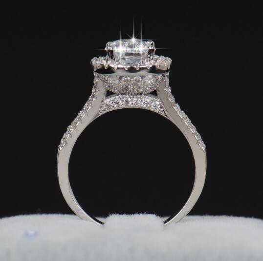 Venta caliente Moda de Lujo Joyería de Compromiso de las mujeres 925 plata esterlina 5A ZC Crystal Zircon Mujer Dedo de La Boda Flor Anillos