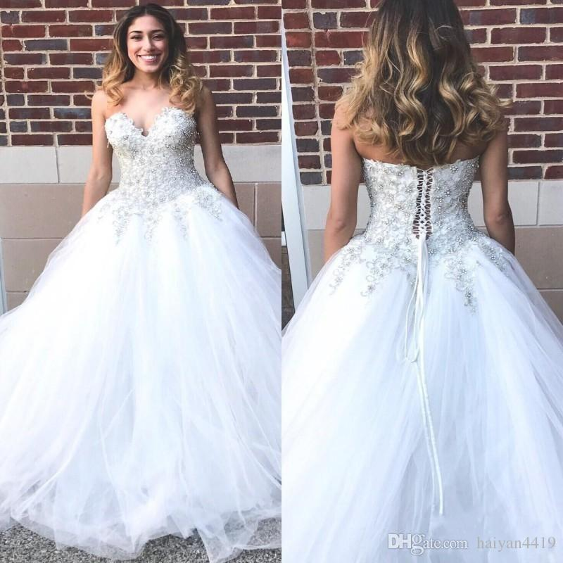 2017 Modest Arabic Wedding Dresses Plus Size Sweetheart Lace Crystal Beaded Lace Up Puffy Tulle Ball Gown Floor Length Formal Bridal Gowns