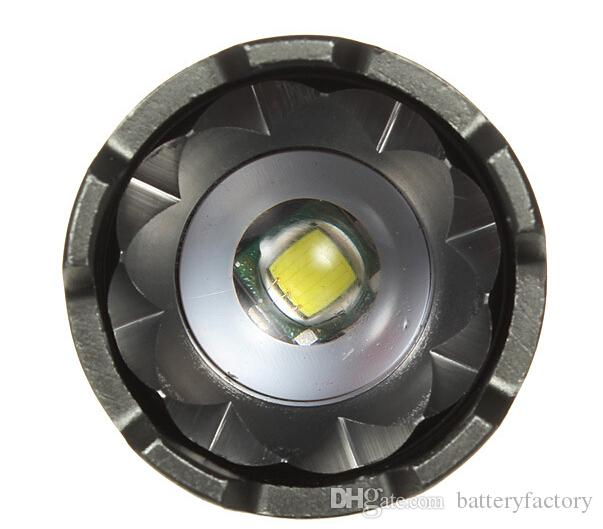 Torce 2000LM Torcia torcia ricaricabile UltraFire CREE XML T6 LED con AC + caricabatteria auto + batteria