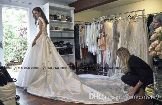 Steven Khalil Beaded Plunging V-neck Ballgown Classic Wedding Dresses 2019 Pnina Tornai Royal Train Arabic Dubai Bridal Wedding Dress