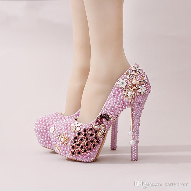 1891f84a9 Marcas De Calçados Pérola Phoenix Vestido De Noiva Sapatos De Design Lindo  Strass Sapatos De Casamento Partido Prom Saltos Altos Roxo Branco Prom  Evento ...