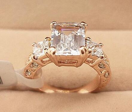 18 K Rose Banhado A Ouro Sparkly Zirconia Austríaco Rhinestone Retângulo de Luxo Anel De Casamento De Diamante Atacado 18KRGP