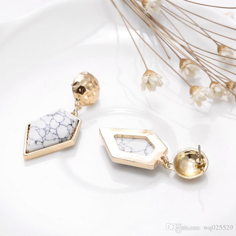 heiße Verkauf Geometrische Ohrringe des freien Verschiffens, einfache und Art und Weiseohrringe eingelegt mit weißem Türkis oder Türkis, Volksartdame Ohrringe