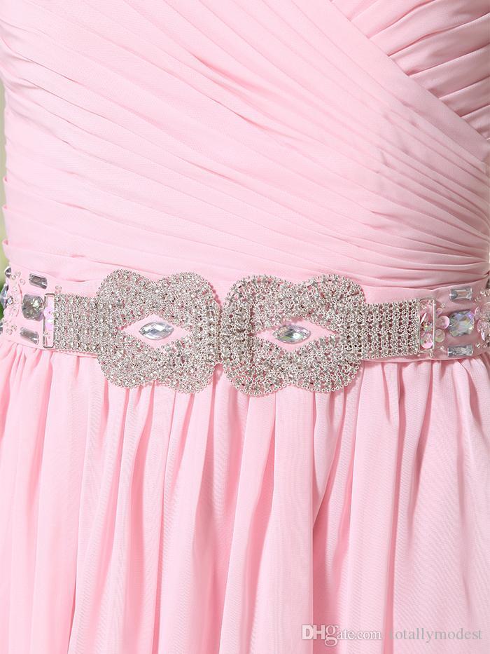 Vero chiffon rosa lungo A-line Modest Modest Abiti da damigella d'onore con maniche a V Collo a V Rucchizzato Croce cintura cintura formale Beach Beach Abiti da sposa NUOVO