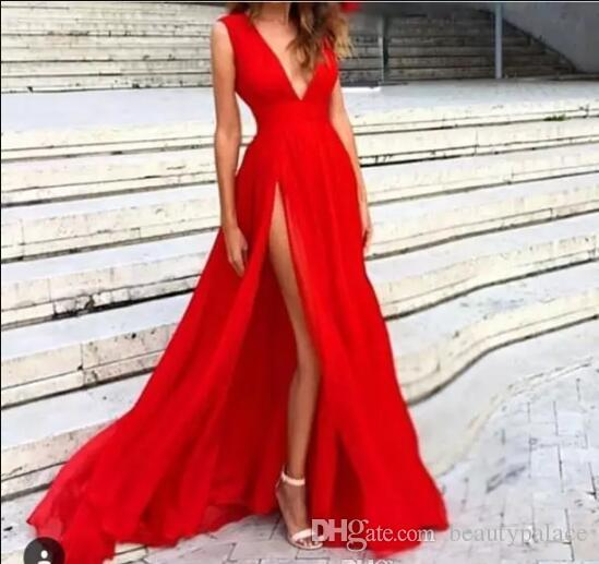 New Red CeDresses 2018 Deep V-Neck Balayage Train Côté Côté Split Moderne Jupe Longue Transparent Prom Celebrity Robes Robe Pageant