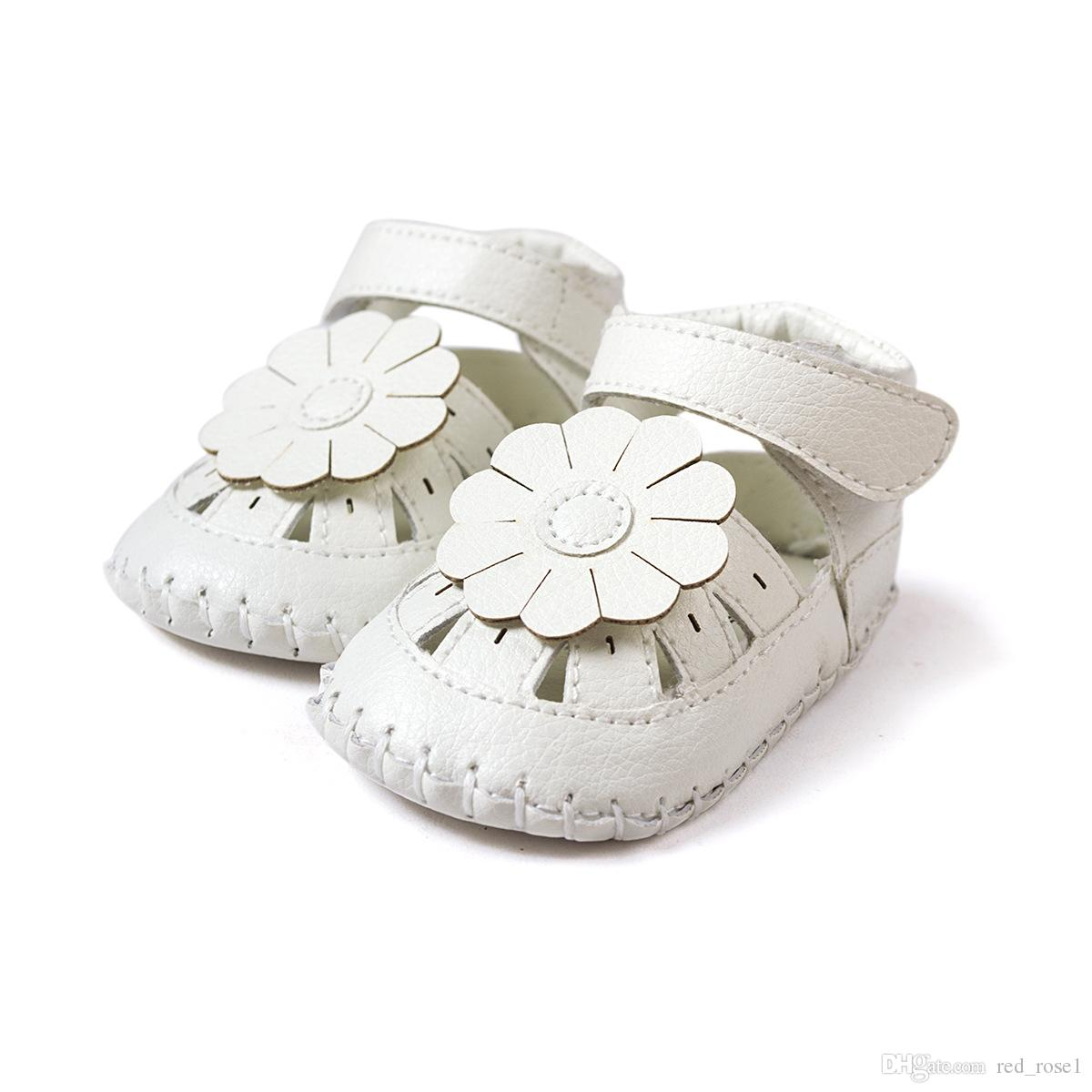 Baby First Walkers Nueva moda Verano Bebé Gilrs Sandalias Zuecos Blanco Plano Con Suave Infant Toddler Kid Girls Sandalias zapatos de bebé