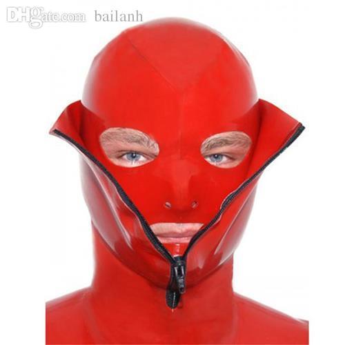 Секс в резиновых масках