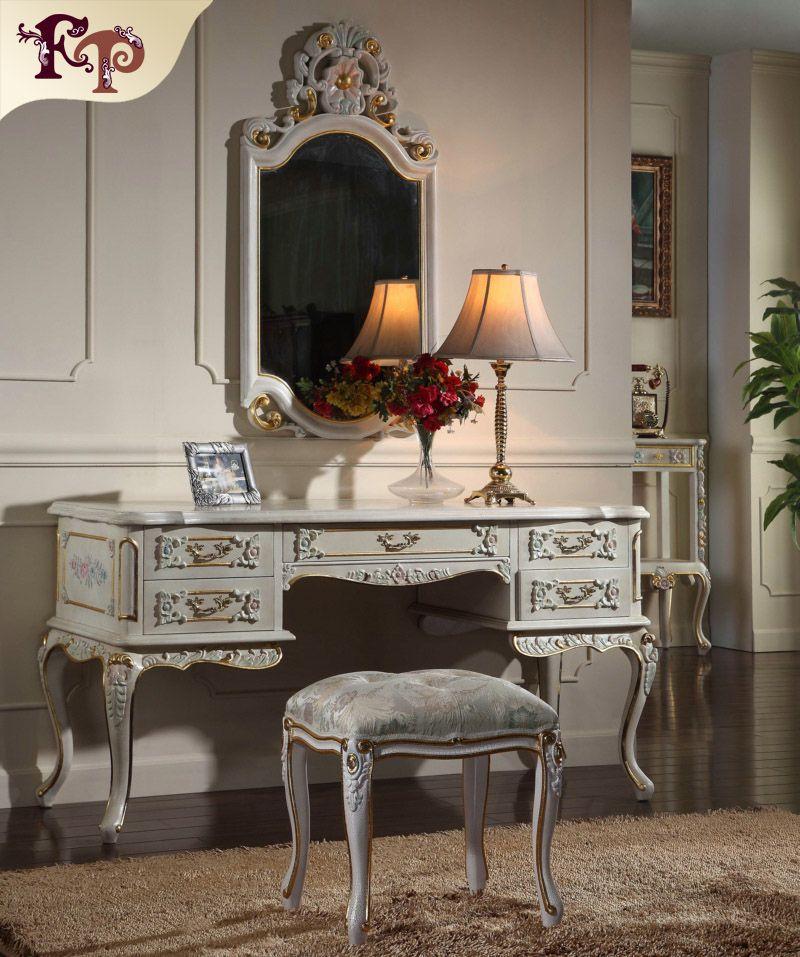 Arredamento provinciale francese - Lussuoso set di mobili classici per  camera da letto in stile europeo - mobile toilette in legno massello fatto  a ...