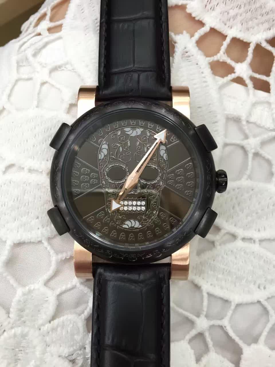 Yeni Moda Siyah ve Gül Altın Paslanmaz Çelik Erkekler Elbise Kol Saatleri Kuvars Kafatası Erkekler Için Izle Erkekler Hediye Saatler