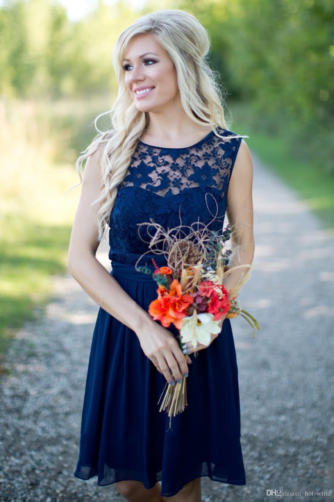 Estilo rural 2020 Royal Blue Knee Longitud de encaje Vestidos de dama de honor para bodas Joyas baratas Backless cremallera trasero Vestidos de playa de verano