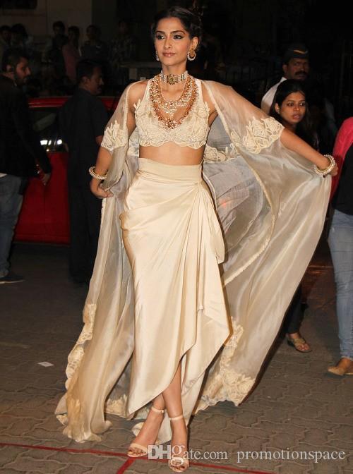 インドのSareesセクシーなイブニングドレスが付いているジャケットとスリーブ首のアップリケローブデスイリーシフォンロングイブニングドレスvestidos