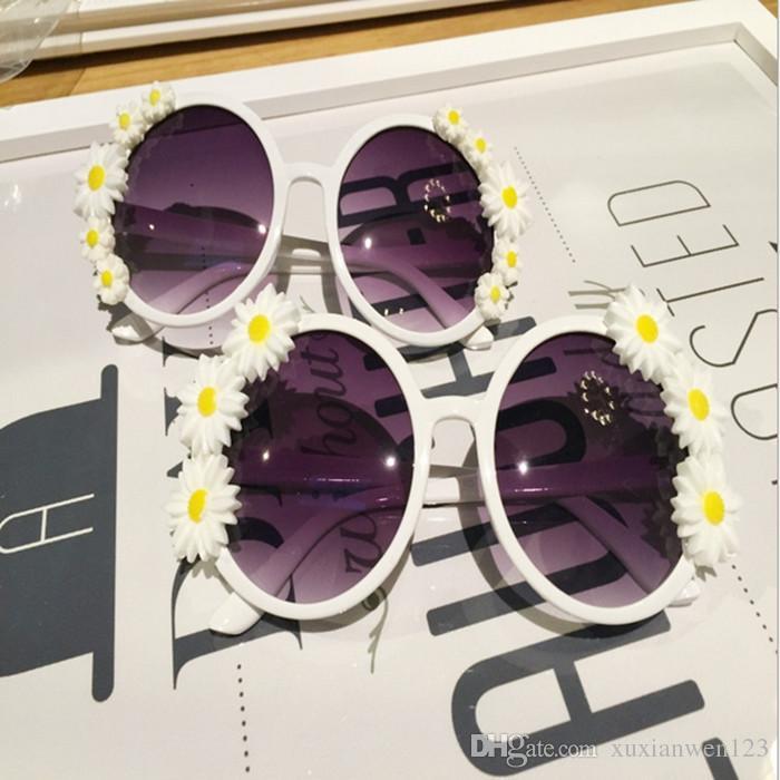 DIY Flower rhinestone Sunglasses women brand designer oval rose floral sun glasses spectacles shades GIRL outdoor Summer Beach sunglasses