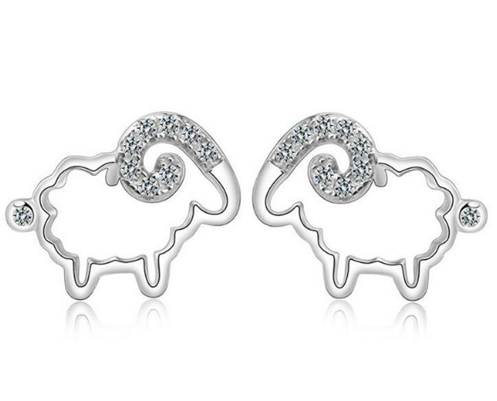 Moda S925 Orecchini in argento sterling a forma di anello di cristallo di pecora Fascino d'oro zodiacale le donne