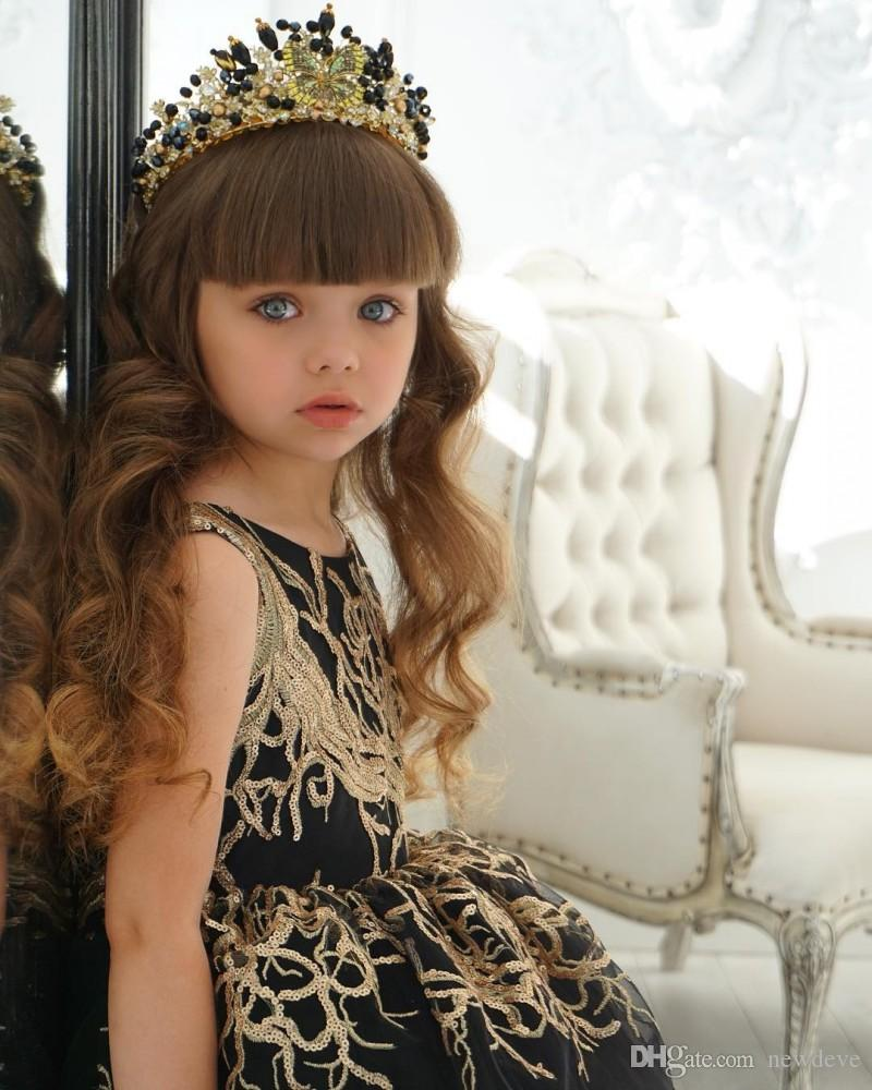 Abito da ragazza di fiore con paillettes dorate con abito da ballo nero da treno Hi Lo Little Girls Pagesnt Dress Abiti formali a file bambini