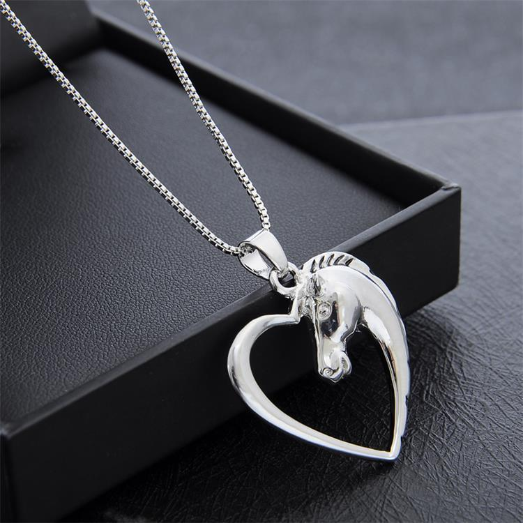 Fashion Horse Pendant Necklace Hollow Out Love Heart Shape Hot Animal Necklaces European and American Jewelry For Couples