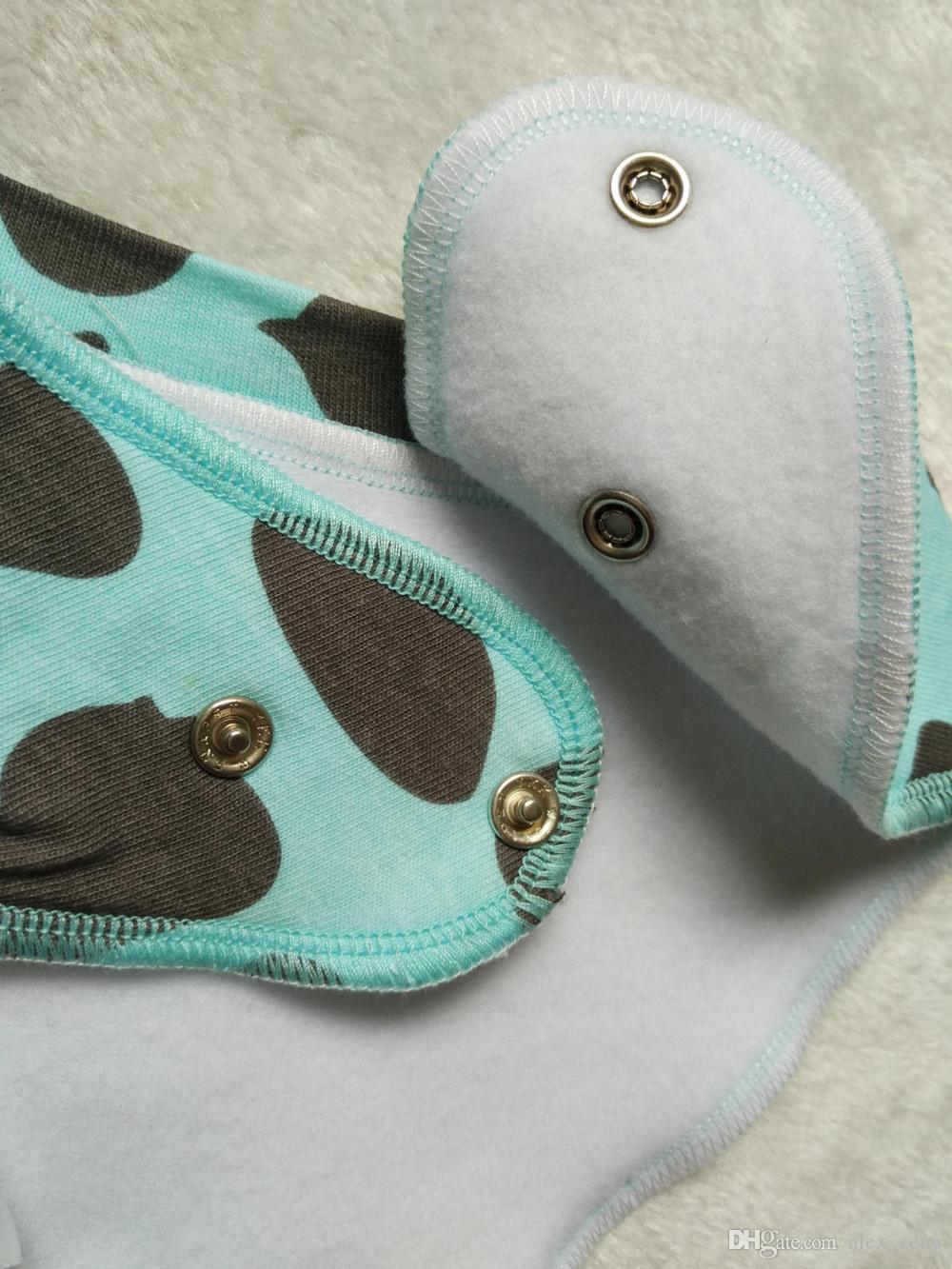 336 Tasarımlar Bebek Önlükler Karikatür Baskılı INS Önlükler Burp Bezi Yenidoğan Kız Erkek Bandana Bebek Pamuk Tükürük Bezi Ücretsiz Kargo